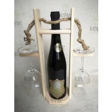 Vínová sada so zlatou etiketou v drevenom stojane 2947